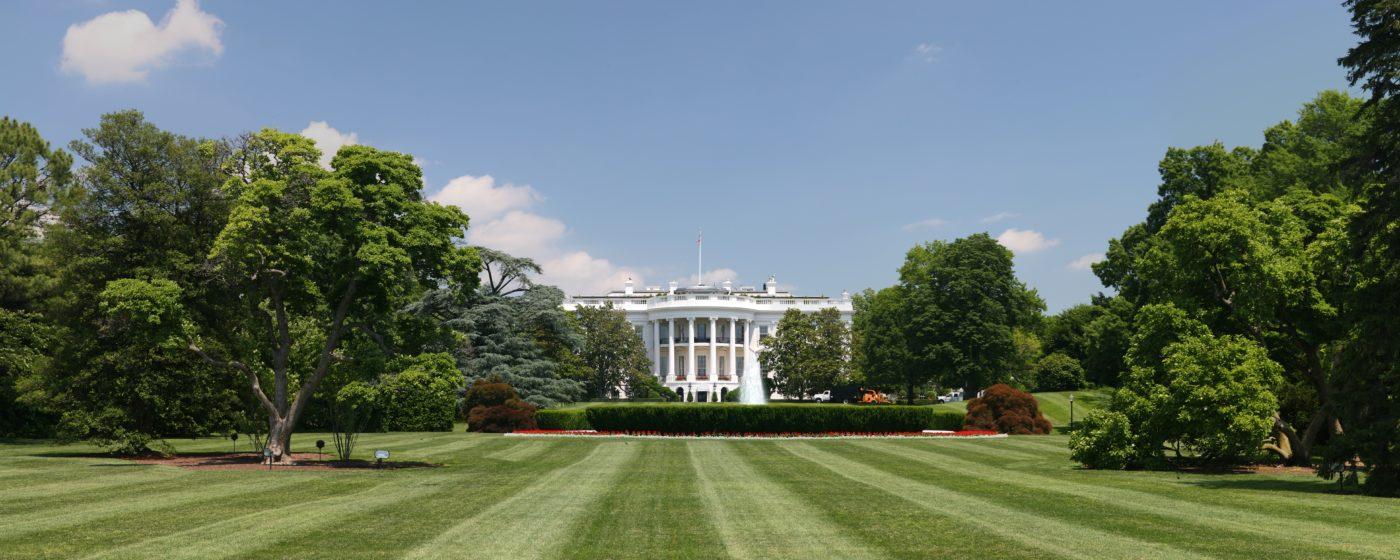 Pourquoi le Président Trump n'est pas parvenu à abroger l'Obamacare : un échec politique et institutionnel