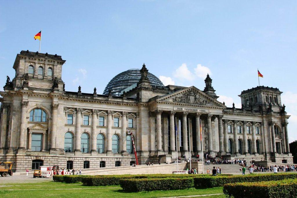 Le processus de formation du gouvernement en Allemagne : la « Constitution officieuse » et les limites de la rationalisation du parlementarisme [Par Armel Le Divellec]