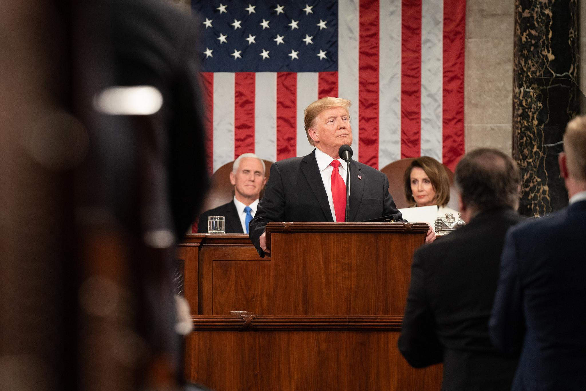 <b> Donald Trump, le mur et les pouvoirs d'urgence du Président des États-Unis </b> </br> </br> Par Maud Michaut