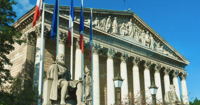 <b> Les parlementaires, les propos négationnistes et l'article 40 du code de procédure pénale </b> </br> </br> Par Benjamin Fargeaud