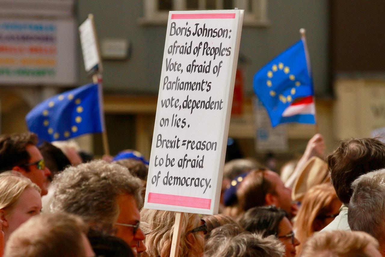 <b> Une bataille mais pas la guerre? Les victoires du parlement de Westminster contre Boris Johnson </b> </br> </br> Par Denis Baranger