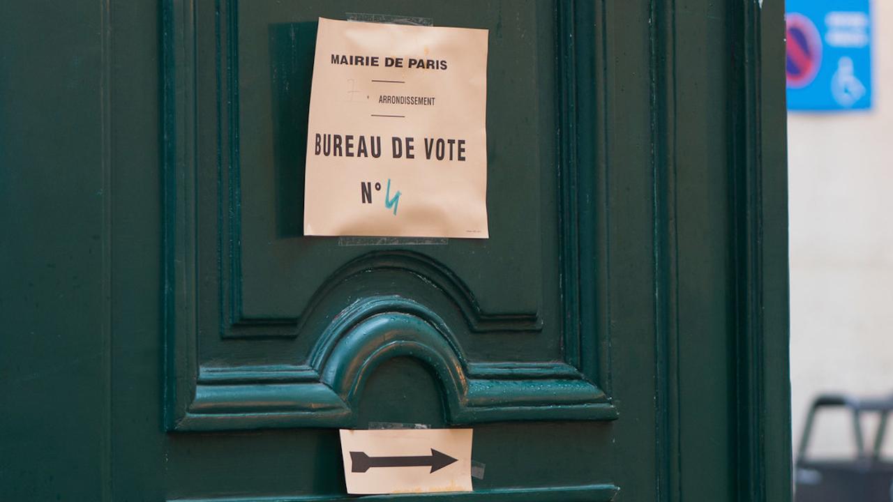 <b> Le report du second tour des élections municipales: analyse juridique contre simplifications médiatiques? </b> </br> </br> Par Bruno Daugeron