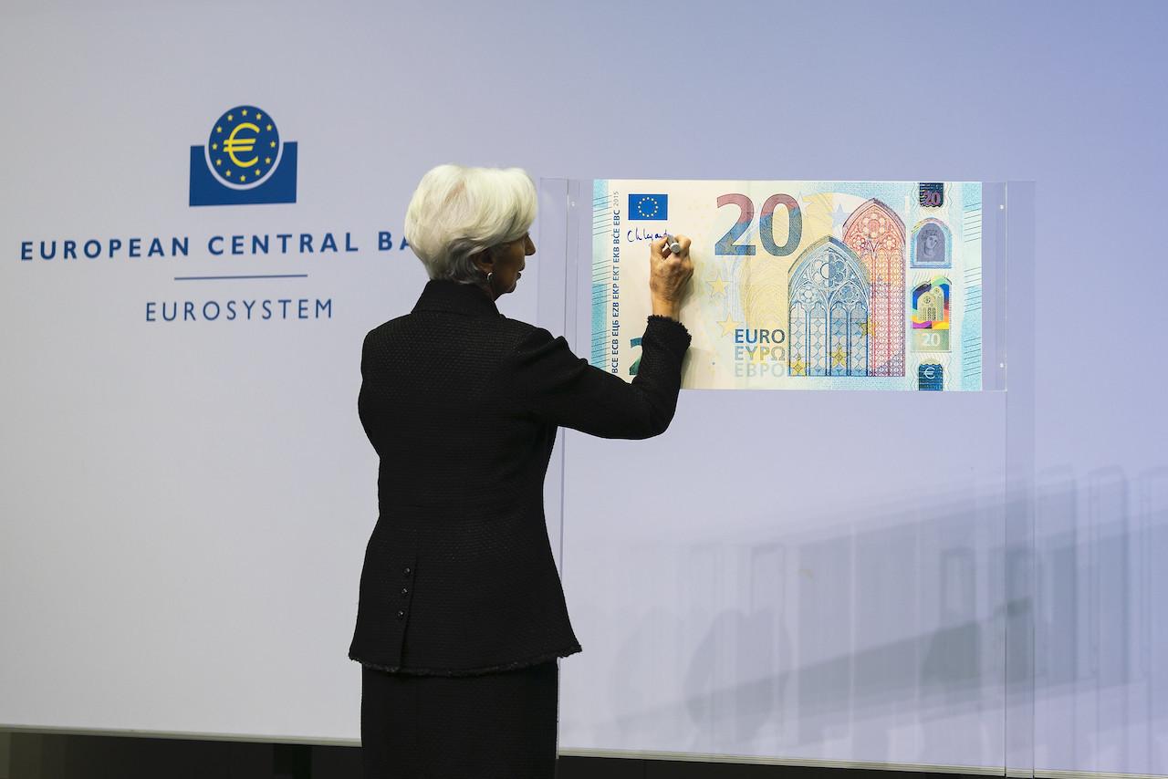 <b> Le rachat des dettes souveraines par la BCE dans la jurisprudence du juge allemand: une tentative de mise en perspective</b> </br> </br> Par Florian Reverchon