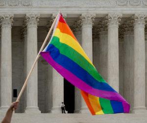 <b> Le sens ordinaire du texte de la loi. L'arrêt Bostock v.Clayton County (Cour suprême des États-Unis, 15 juin 2020)</b> </br> </br> Par Gwénaële Calvès