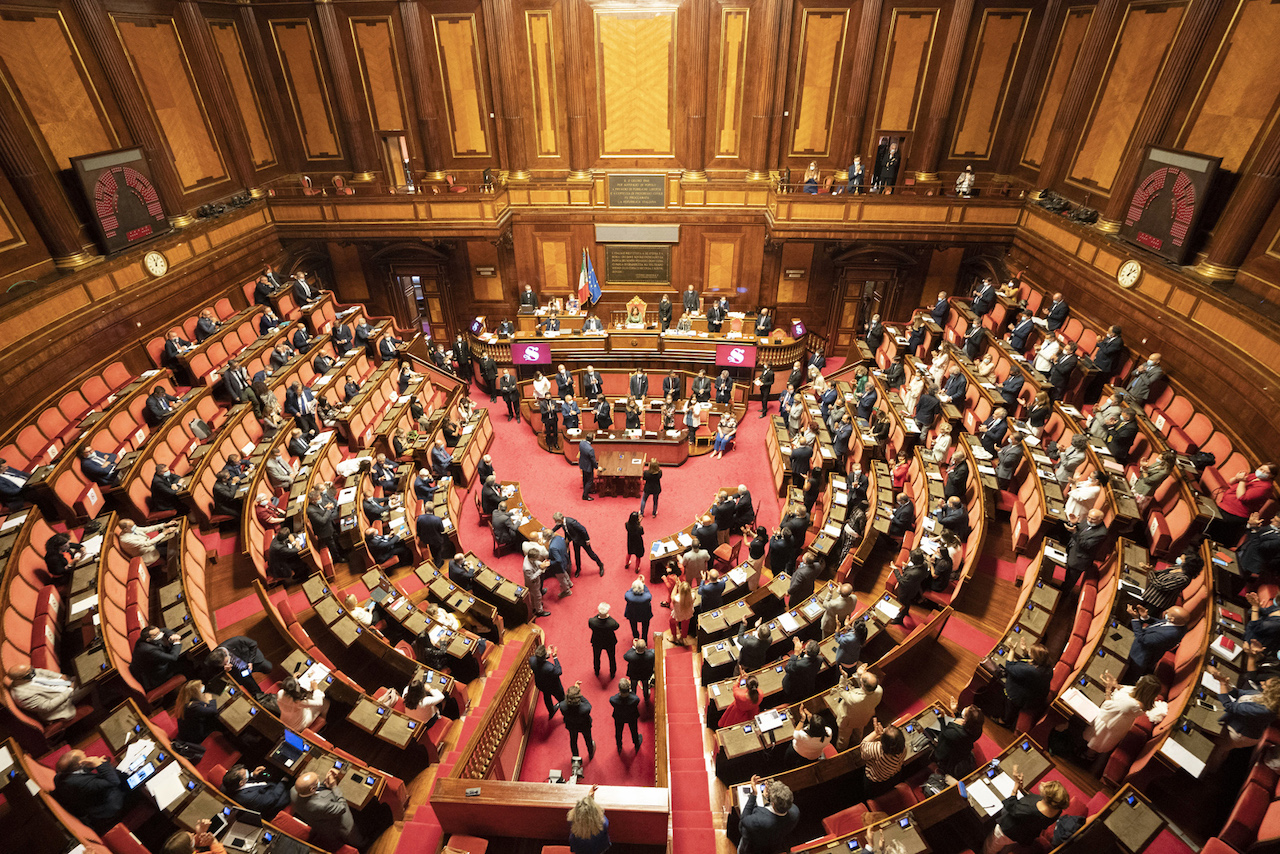 <b>Une non-réforme constitutionnelle: le référendum italien pour la réduction du nombre de parlementaires</b> </br> </br> Par Eleonora Bottini
