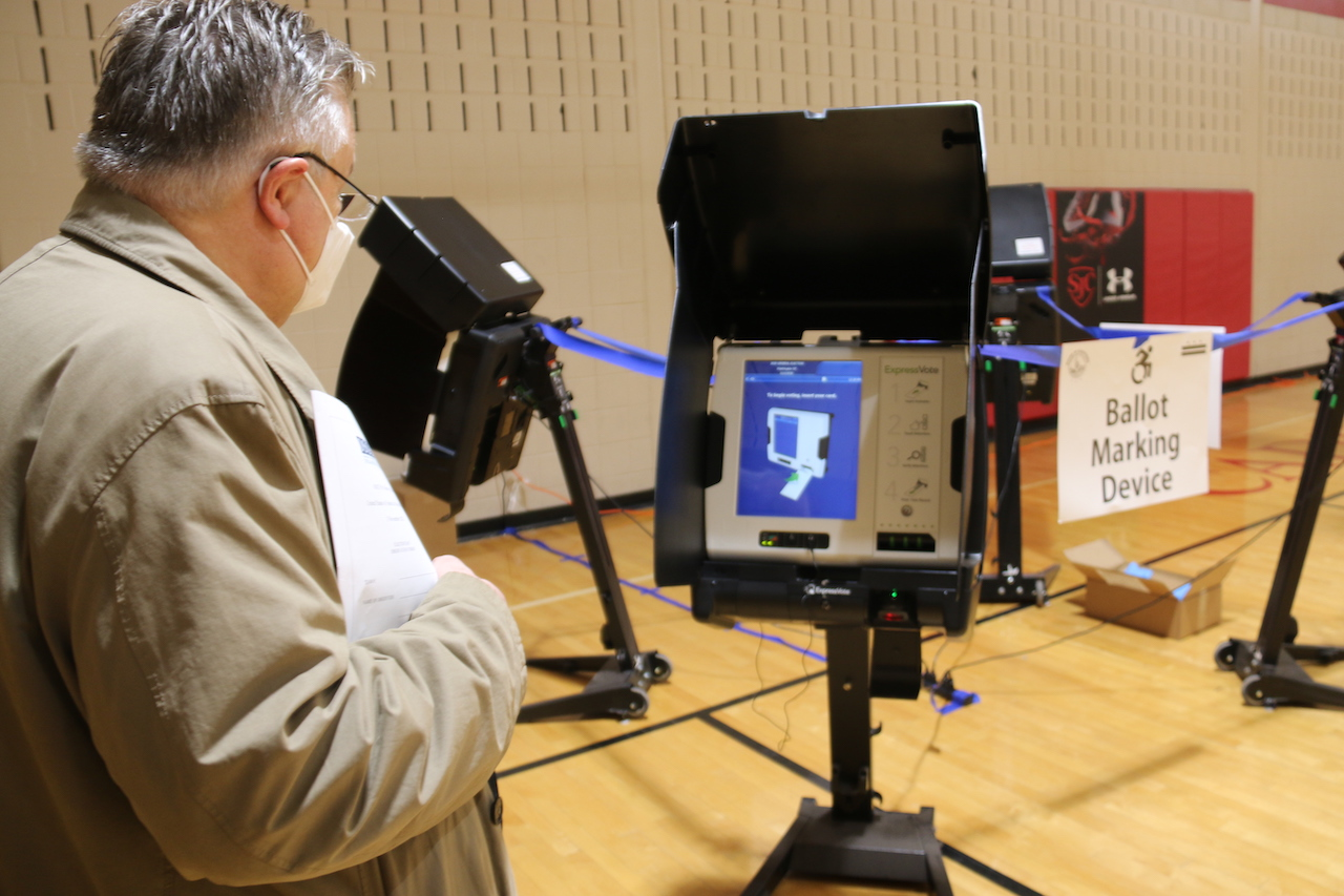 <b> Le mirage du vote par anticipation </b> </br> </br> Par Alexis Fourmont et Benjamin Morel