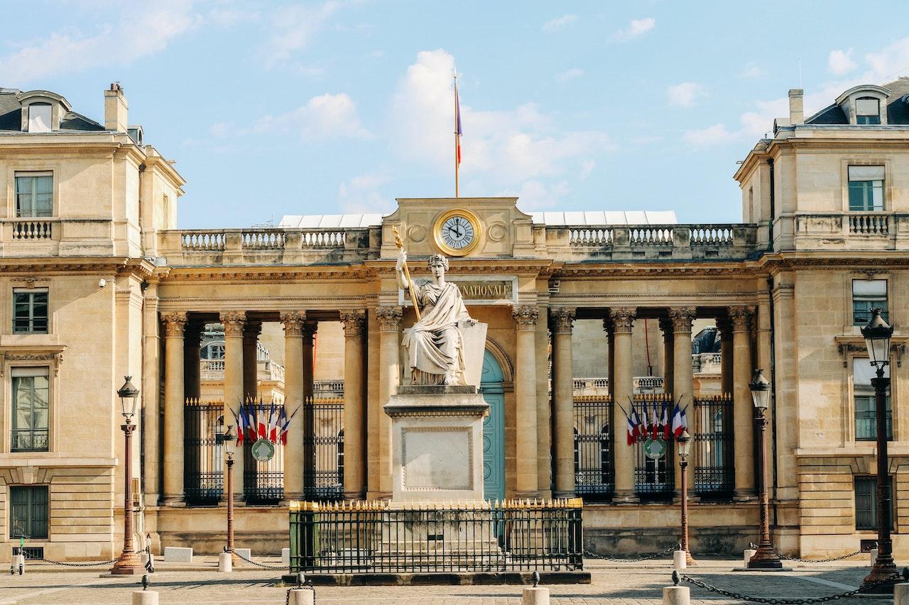 <b> Révision du règlement de l'Assemblée nationale: refus du droit parlementaire d'exception </b> </br> </br> Par Alexis Fourmont