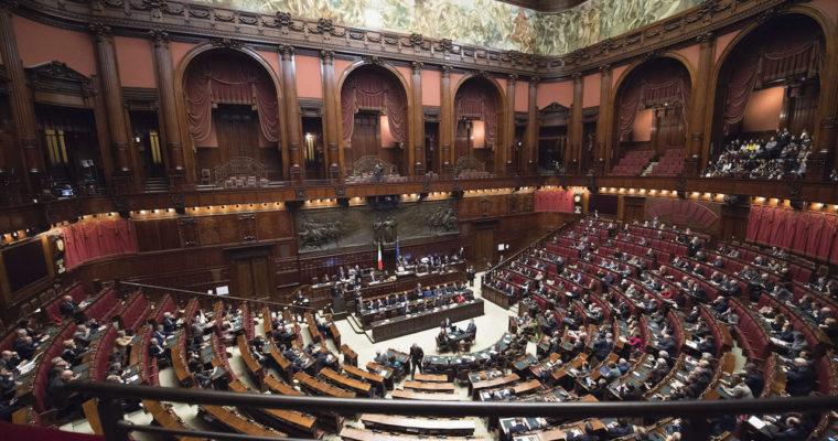 <b> La fin du groupe des «isolés» en droit parlementaire italien? </b> </br> </br> Par Chiara Spiniello et Alexis Fourmont