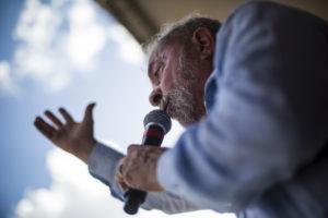 <b> Un ancien président en prison : l'affaire Lula et la pratique du droit constitutionnel au Brésil </b> </br> </br> Par Camila Villard Duran